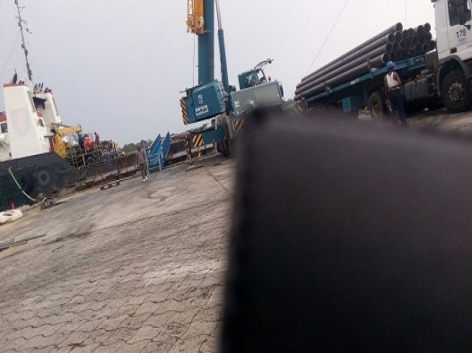 FORTUNE GLOBAL SHIPPING AND LOGISTICS PERFORMS PIPE LOAD OUT OPERATION FROM KRIS OIL JETTY TO BAYELSA OFFSHORE_1